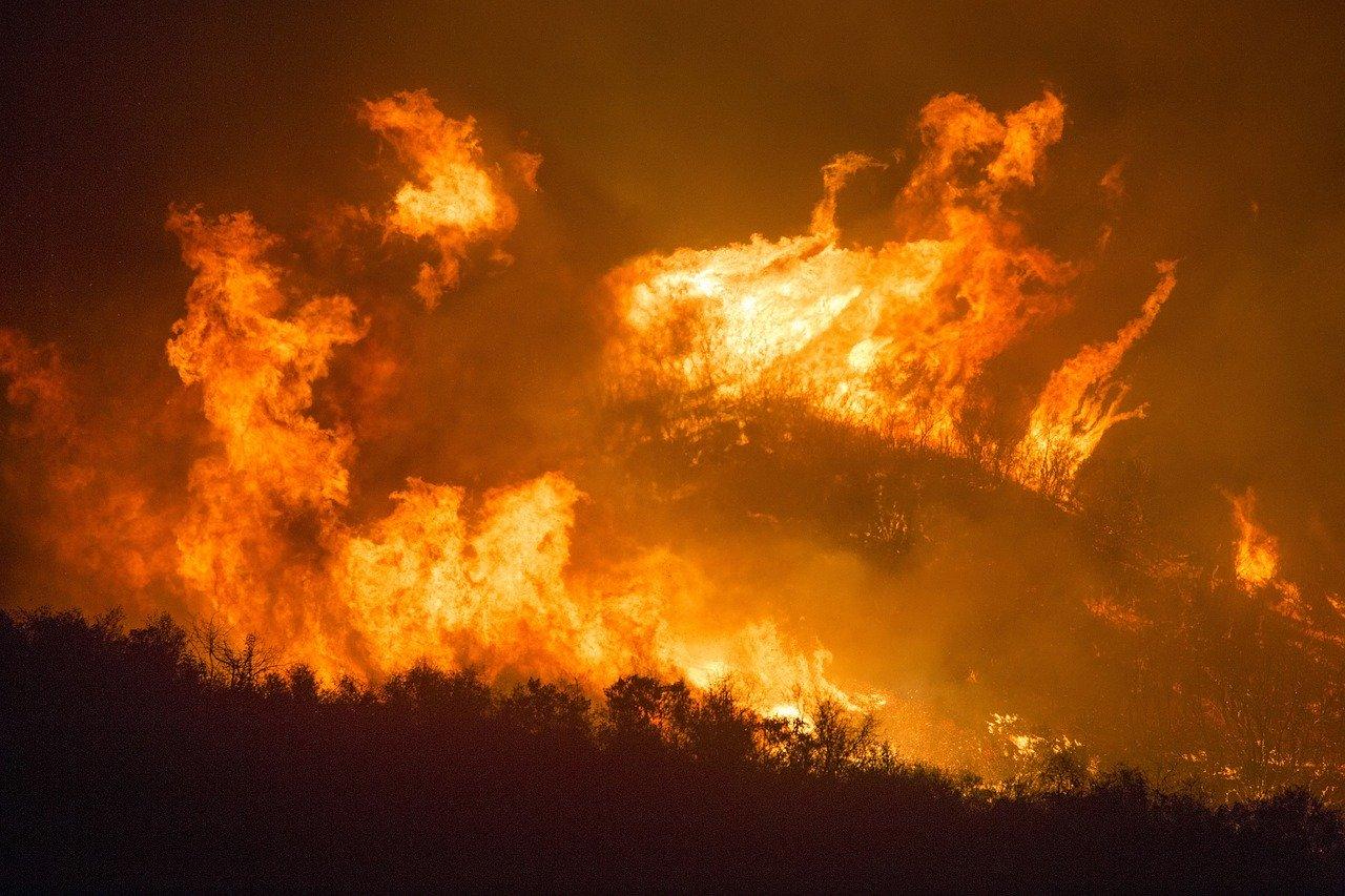 Nowe obowiązki i lepsze zabezpieczenia przed pożarami