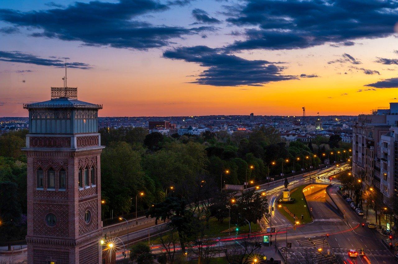 Poznaj budynki certyfikowane w Polsce. Innowacyjna platforma PLGBC