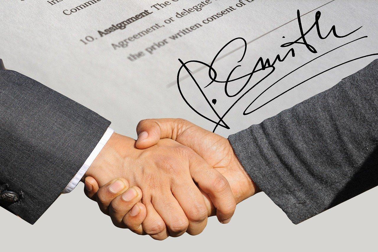 Siemens Financial Services udostępnia klientom kwalifikowane e-podpisy na rok