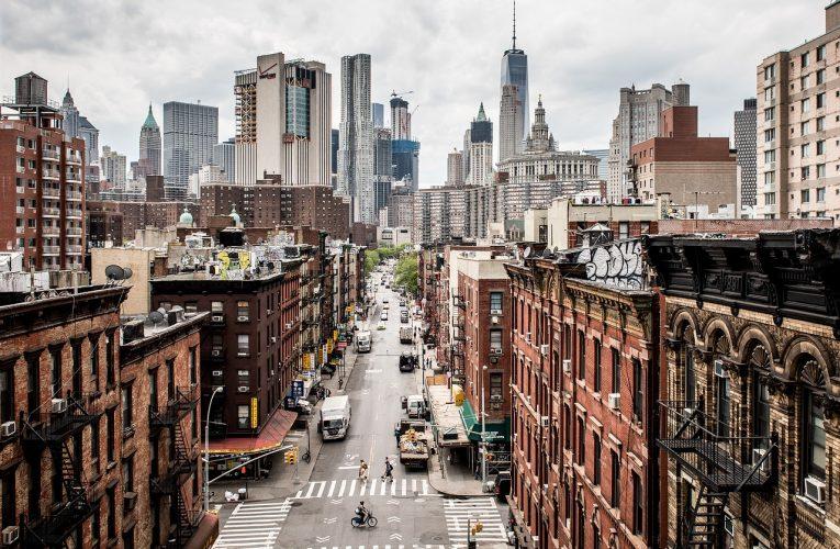 Administrowanie nieruchomościami a zarządzanie – w czym tkwi różnica?