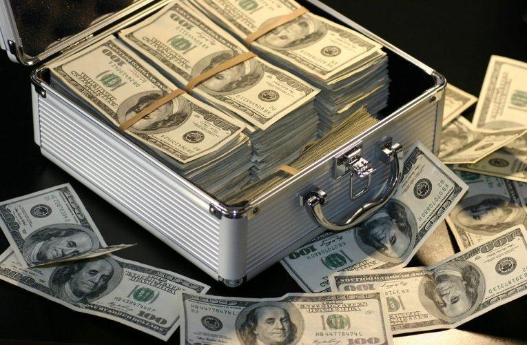 Jak zarabiają banki na swoich klientach?